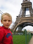Sotto la Torre Eiffel a Parigi